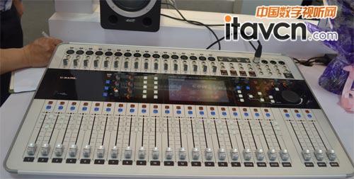 专业音响 动态 > 正文  宝业恒展台 c-mark cdm24数字调音台作为全球